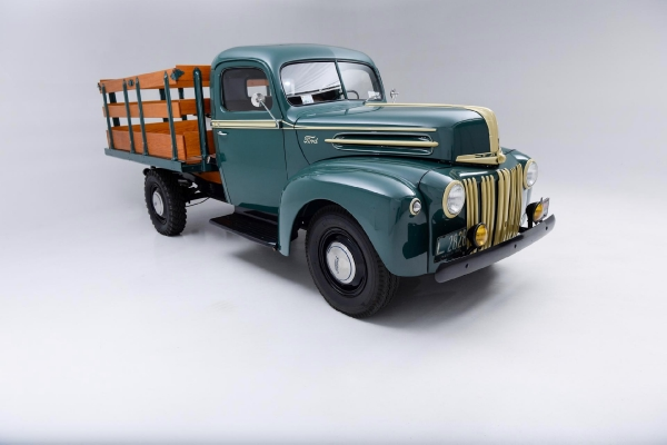 1947 Ford Pickup Stakebed