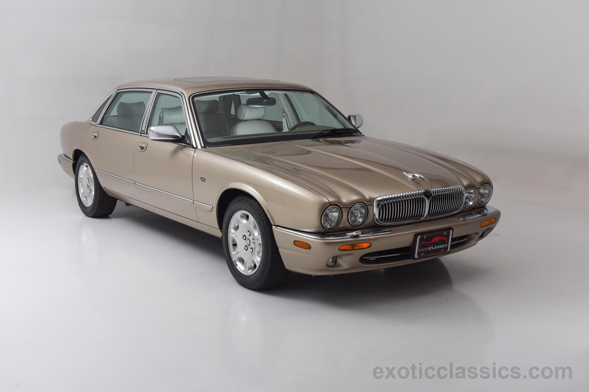 2000 Jaguar XJ8 Vanden Plas Champion Motors International l Exotic