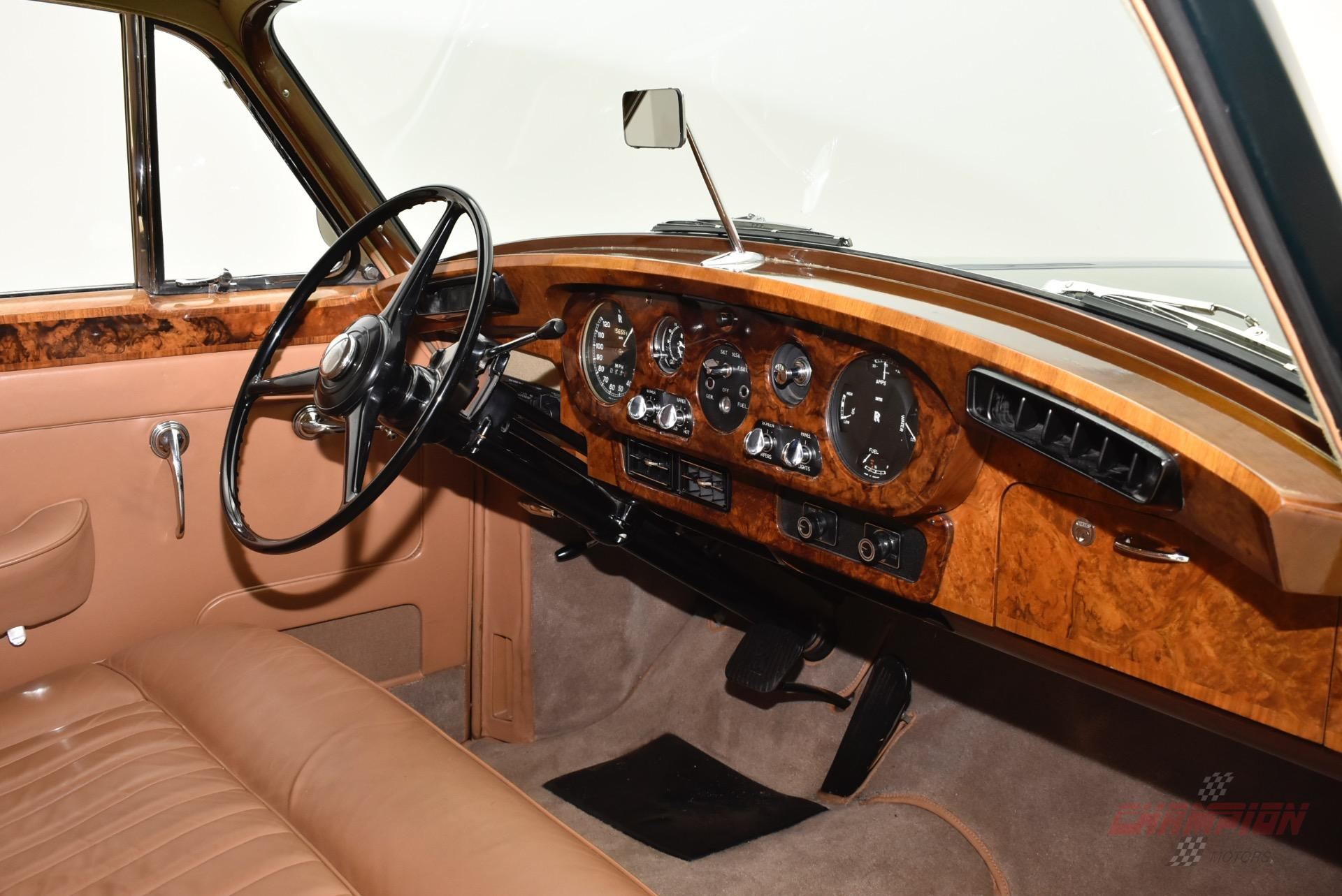 New York - 1960 Rolls Royce Silvercloud's Interior